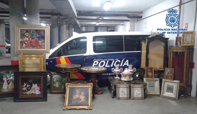 Los objetos recuperados por la policía