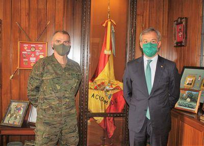 EUROCAJA RURAL | El presidente visita la Academia de Infantería y felicita al Arma con motivo de su patrona
