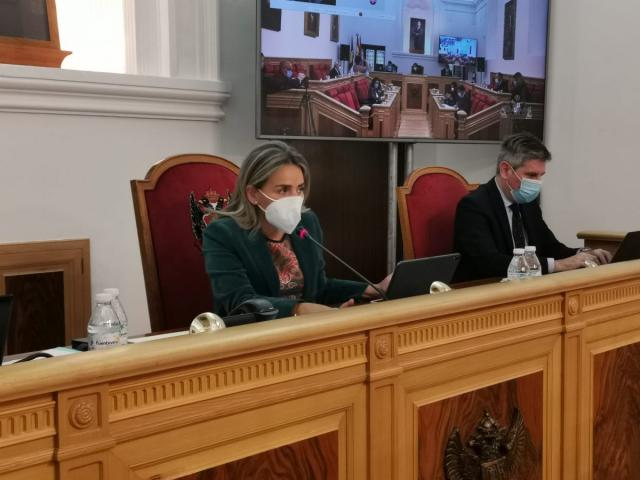 TOLEDO | El Ayuntamiento apoya las reivindicaciones del 8M con el rechazo de Vox