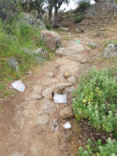 MEDIO AMBIENTE | El Ayuntamiento pide cuidado con los residuos en el entorno del Valle