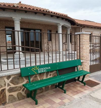 Eurocaja Rural restablecerá el mobiliario urbano afectado por la DANA