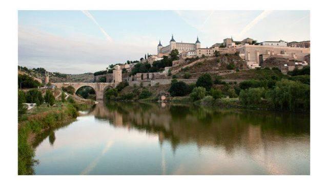 El cadáver hallado en el Tajo a su paso por Toledo es el de una mujer de entre 30 y 40 años