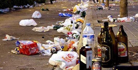 Uno de cada tres padres españoles deja beber alcohol a sus hijos menores