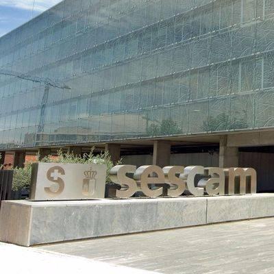 Los trabajadores del SESCAM recuperarán en la nómina de octubre el 1,5% recortado por la 'tasa Cospedal'