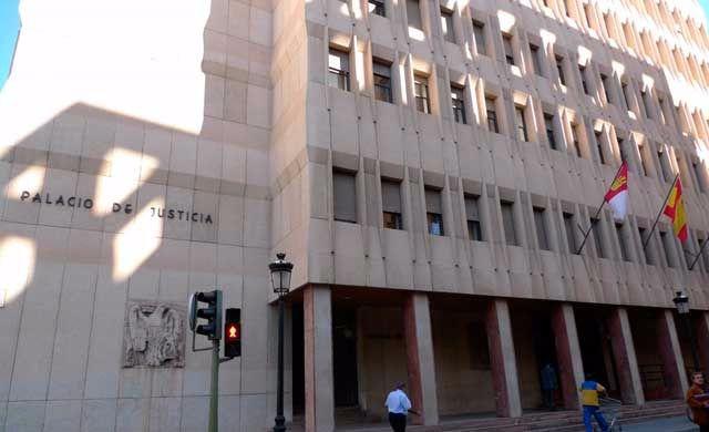 Piden 2 años de cárcel para un hombre de 83 que trató de abusar de una menor