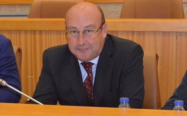 """Castillo apela a la """"unidad"""" de todas las administraciones para luchar contra el desempleo"""