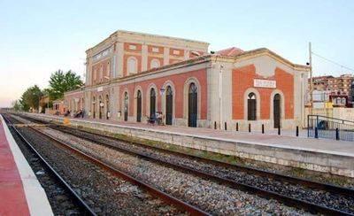 El Tren de Talavera llega al fin a su primera estación en el Congreso de los Diputados