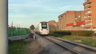 Renfe instala láminas solares reducir la temperatura en 20 trenes de Talavera