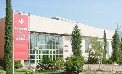 La Junta abona 831.000 euros a UCLM para becas de colaboración