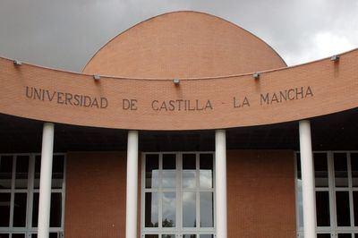 El Gobierno regional pide confianza en el futuro de la UCLM que quiere firmar con la institución