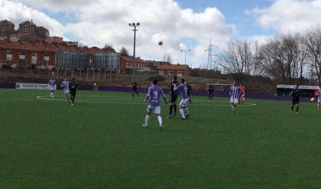 El Real Valladolid B acaba con la racha de victorias del CF Talavera