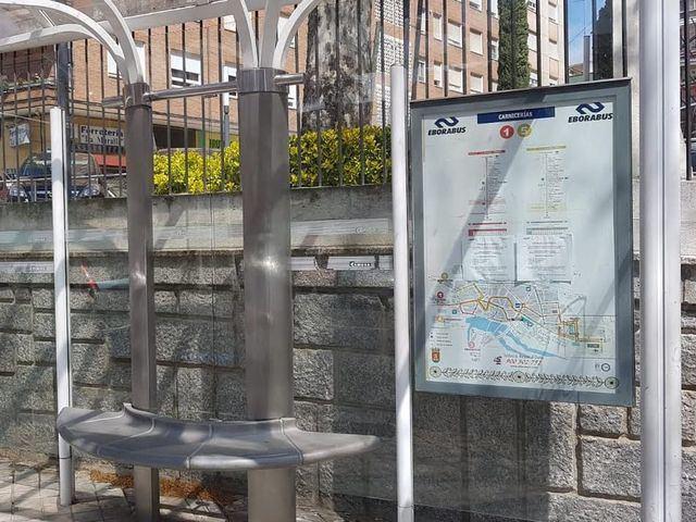 Monbús no se lo pone fácil a los usuarios del transporte urbano