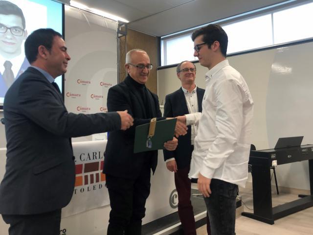 Entrega de diplomas a los 19 estudiantes del Bachillerato Internacional de la promoción 2017-2019 del IES 'Carlos III' de Toledo