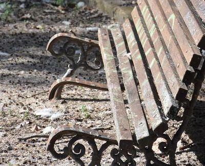 Vecinos de La Alameda denuncian la falta de mantenimiento y el abandono del barrio