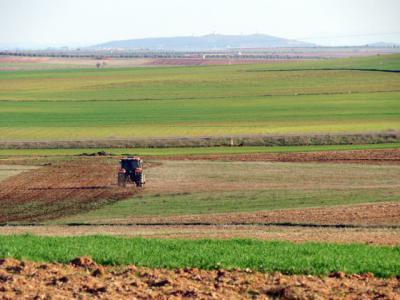 Los agricultores y ganaderos de la región son los 'primeros de España' en comenzar a cobrar el anticipo de la PAC