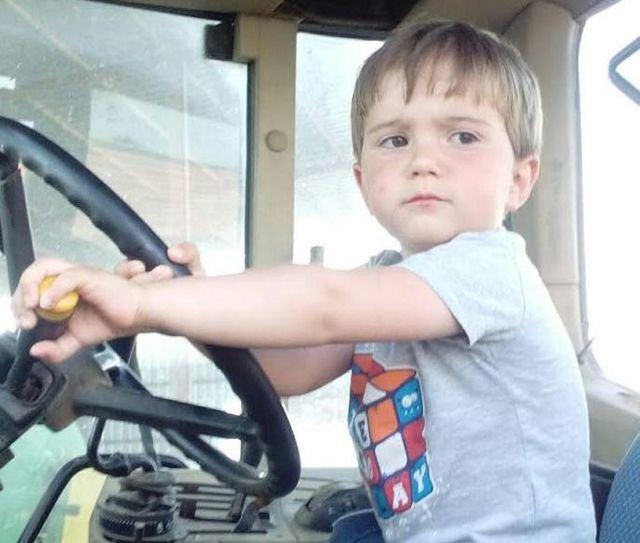 Martín Rodríguez cumple 3 años el 12 de junio y 'ya se sube al tractor'