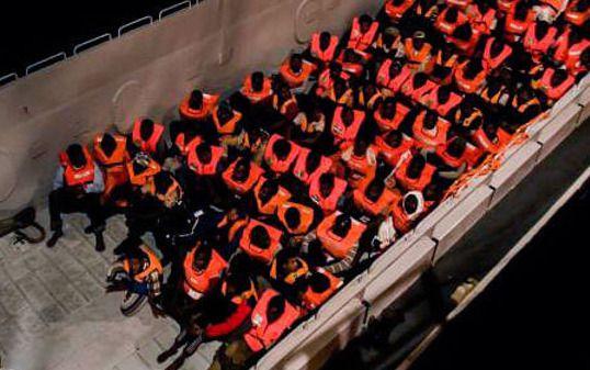 CLM ofrece su colaboración en la acogida de los migrantes del barco 'Aquarius'