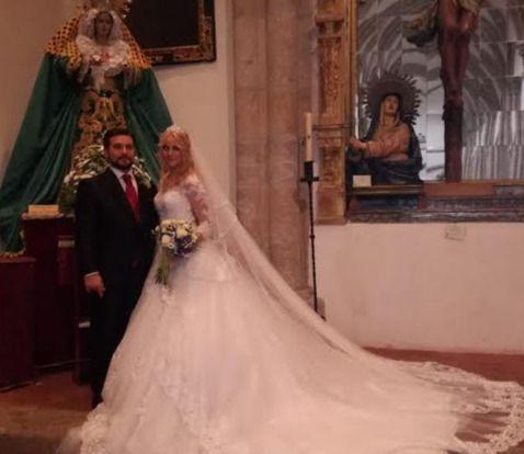 Luis Serrano y Carmen Segura  sellan su amor en la Colegial