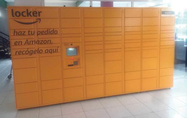Cash Godoy instala un Amazon Locker