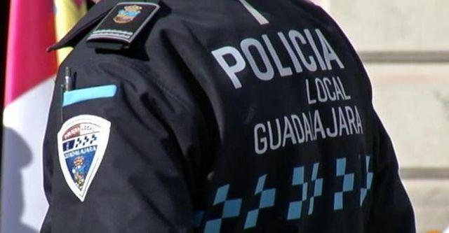 Detenida una joven por agredir a un agente de la Policía Local