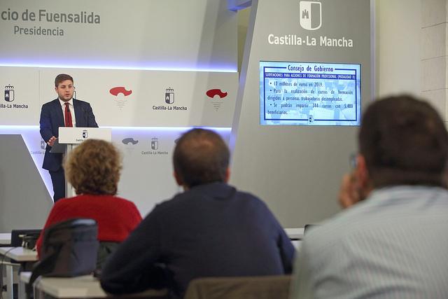 El Gobierno regional destina casi 17 millones de euros para formación a personas desempleadas
