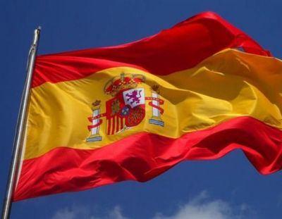Page se compromete a renovar su juramento a la bandera española