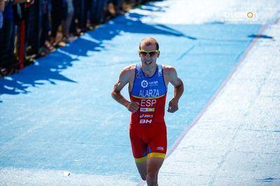 Alarza competirá un año más en las Series Mundiales de Triatlón