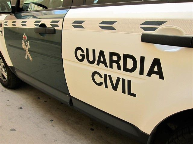 La Guardia Civil evita el robo con explosivos de un cajero y detiene a tres personas