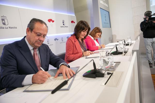 CLM y FEMP formarán a cargos electos y personal de ayuntamientos para lograr municipios libres de violencia de género