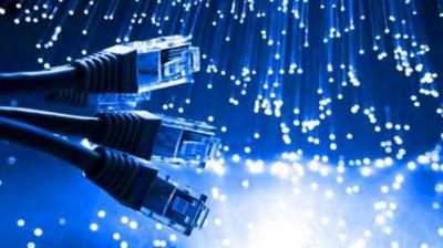 La Junta destinará 120 millones para extender fibra óptica a pueblos de menos de 200 habitantes