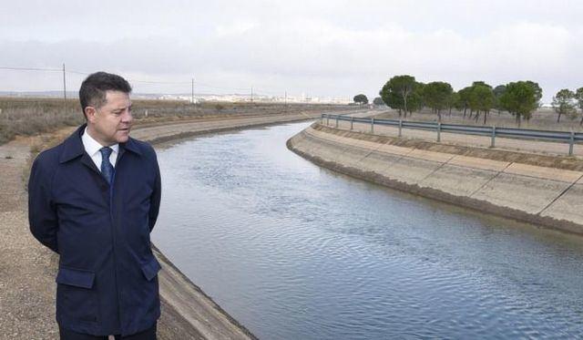 García-Page, dispuesto a devolver a los regantes de Levante el dinero de las tarifas
