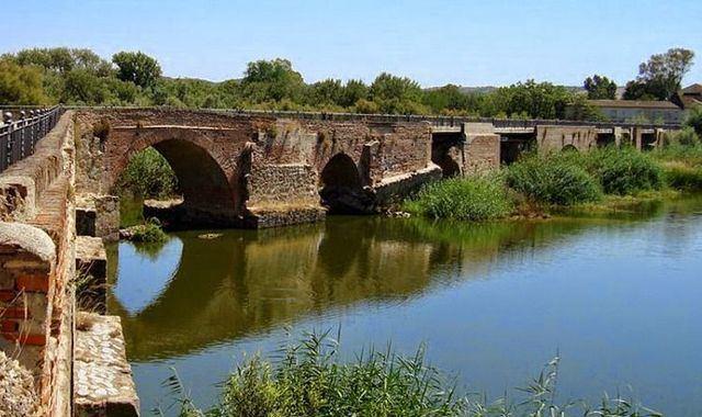 TALAVERA | Respaldo de la Junta a la propuesta de declaración BIC del 'Puente Viejo'
