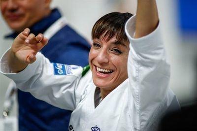 El IES Ribera del Tajo galardona a la karateka talaverana Sandra Sánchez