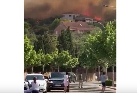 VÍDEO | El incendio forestal de Toledo obliga a desalojar a varios vecinos