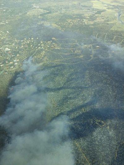 Los medios aéreos se incorporan a los incendios de Toledo y Almorox, que permanecen en nivel 1