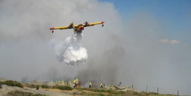 El fuego de Almorox-Cadalso sigue sin control y se reaviva un foco en Peña Cadalso