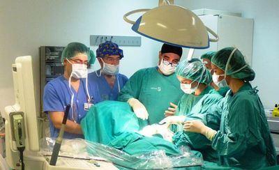 El hospital de Talavera forma en patología mamaria a residentes de cirugía de distintas partes de España