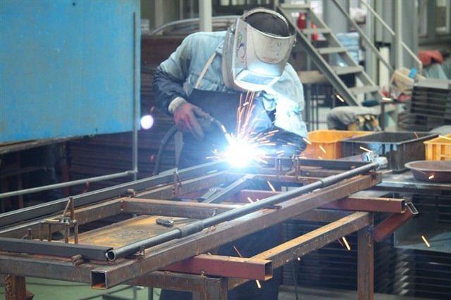 La producción industrial en C-LM mantiene un crecimiento del 2,2% en junio frente a la senda negativa nacional. / Archivo