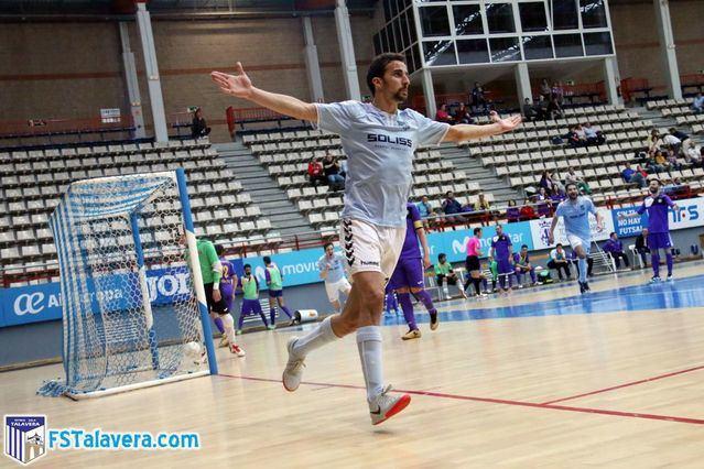 Panucci celebrando un gol con el Soliss FS Talavera