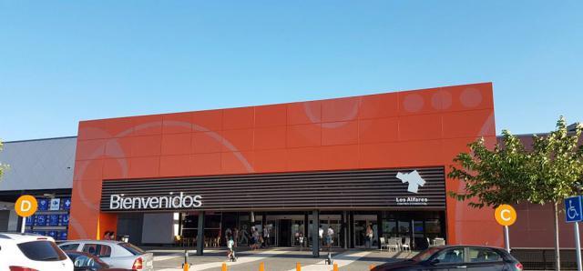 TALAVERA | Los Alfares abre este domingo para ofrecer las mejores rebajas