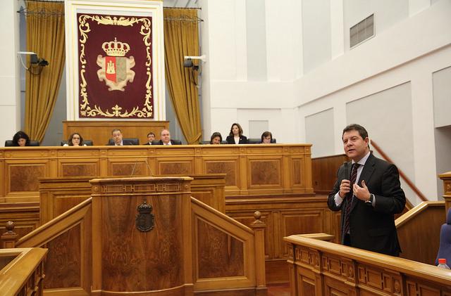 García-Page durante su intervención en las Cortes regionales