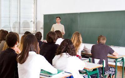 El curso escolar comienza en Castilla-La Mancha con 300 profesores más