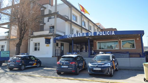 Talavera | Roba en una furgoneta tras romper las ventanillas con la tapa de una alcantarilla