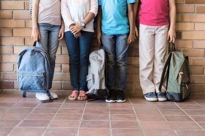 Destacan las 65.419 ayudas para libros de texto y el aumento de profesorado y comedores escolares