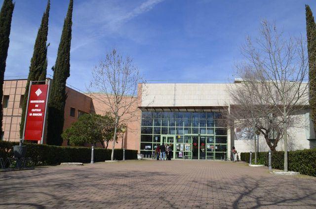 La Facultad de Ciencias de la Salud inicia el curso en Talavera con 300 nuevos estudiantes