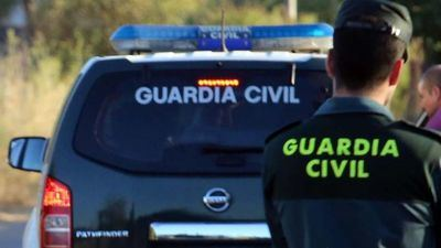 La Guardia Civil evita la muerte de un hombre