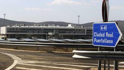 El aeropuerto de Ciudad Real recibirá su primer vuelo este jueves