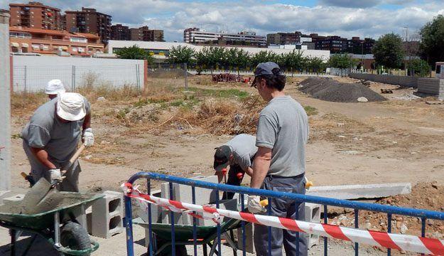 El Ayuntamiento estudia la forma de concurrir al Plan de Empleo y evitar