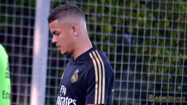 FÚTBOL | El Talavera se refuerza con Rodrigo Rodrigues, delantero del filial del Real Madrid