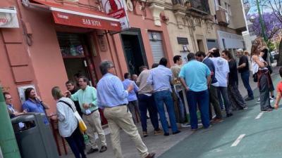 FOTOS Y VÍDEO   Malestar por las aglomeraciones en algunas terrazas y bares: